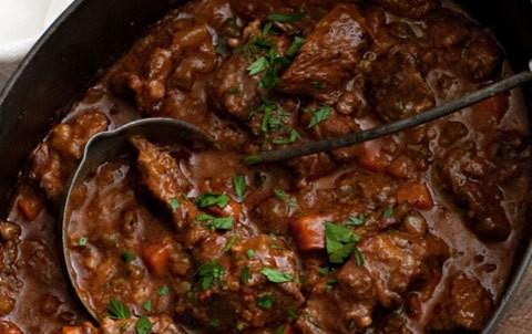 Come preparare lo spezzatino di manzo – ricetta