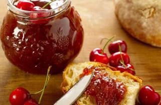 Marmellata di ciliegie fatta in casa – ricetta