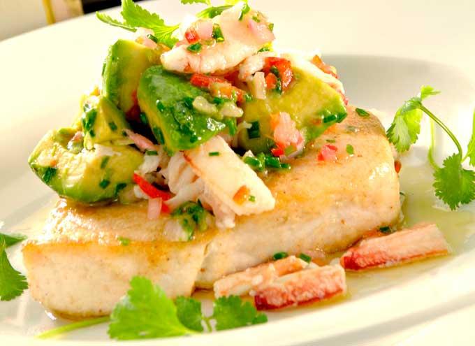 Pesce spada in salsa di aceto di vino di riso e avocado