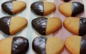 ricetta biscotti al burro e cioccolato fondente