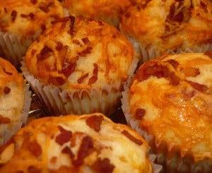 muffina salati pancetta e mozzarella