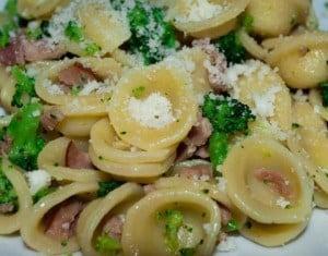 orecchiette broccoli e pancetta ricetta
