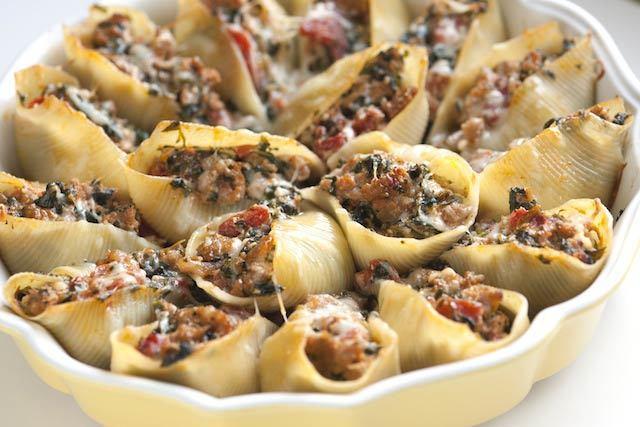ricetta conchiglioni ripieni salsiccia zampina. salsiccia al forno
