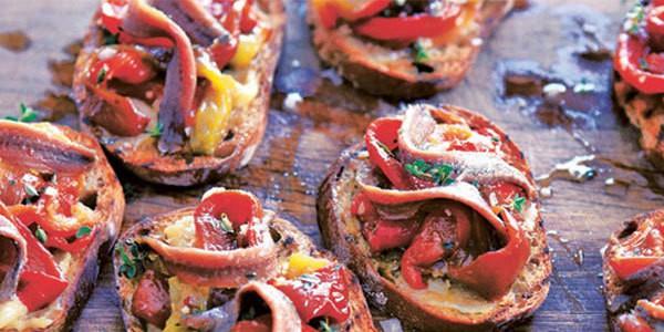 ricette peperoni e alici marinate bruschette