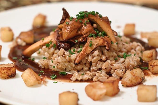 ricetta funghi farro e patate